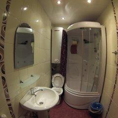 Гостиница Коттедж Gesh Home на Дзержинского 25 в Шерегеше отзывы, цены и фото номеров - забронировать гостиницу Коттедж Gesh Home на Дзержинского 25 онлайн Шерегеш ванная