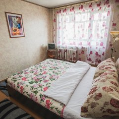Гостиница на Перова 12 в Кургане отзывы, цены и фото номеров - забронировать гостиницу на Перова 12 онлайн Курган комната для гостей фото 2