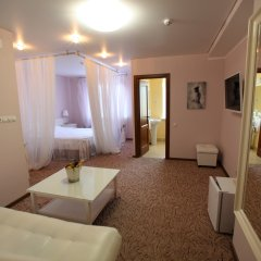 Гостиница Два крыла Люкс с различными типами кроватей фото 3