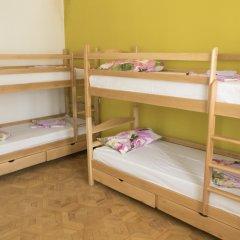 Home Hostel Кровать в женском общем номере с двухъярусными кроватями