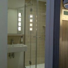 Отель Contact ALIZE MONTMARTRE 3* Улучшенный номер с различными типами кроватей фото 3