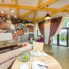 Гостиница Beton Brut в Анапе 12 отзывов об отеле, цены и фото номеров - забронировать гостиницу Beton Brut онлайн Анапа комната для гостей фото 2