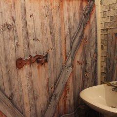 Mini-Hotel Leningradskiy 28 Стандартный семейный номер с двуспальной кроватью (общая ванная комната) фото 8