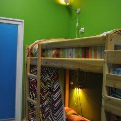 Red House Hostel Кровать в общем номере с двухъярусной кроватью фото 8