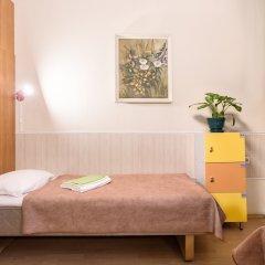 Метро-Тур хостел Кровать в общем номере с двухъярусной кроватью фото 12
