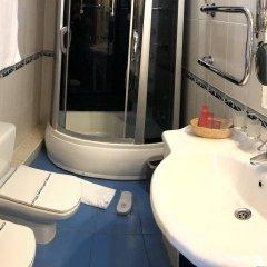 Гостиница Гранд Уют 4* 1-я категория Номер Комфорт двуспальная кровать фото 5