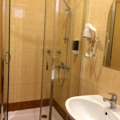Мини-отель Версаль Стандартный номер с различными типами кроватей фото 16