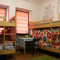 Апартаменты на Земляном Кровать в женском общем номере с двухъярусными кроватями