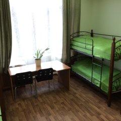 Хостел Сердце Столицы Кровать в женском общем номере двухъярусные кровати фото 2