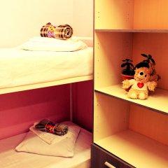 Хостел Любимый Кровати в общем номере с двухъярусными кроватями фото 22