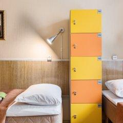 Метро-Тур хостел Кровать в общем номере с двухъярусной кроватью фото 3