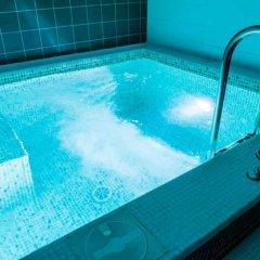 AMAKS Конгресс-отель бассейн