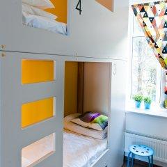 Хостел Graffiti L Кровать в мужском общем номере с двухъярусной кроватью фото 3