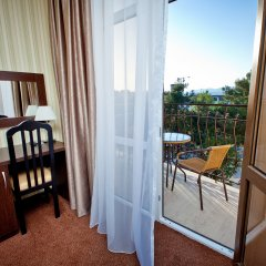Отель Фаворит 3* Улучшенный номер фото 18