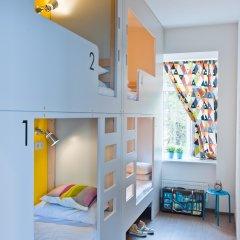 Хостел Graffiti L Кровать в общем номере с двухъярусной кроватью фото 19