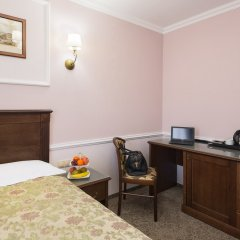 Гостиница Старый Город на Кузнецком 3* Улучшенный номер двуспальная кровать фото 6