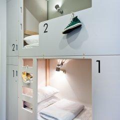 Хостел Graffiti L Кровать в общем номере с двухъярусной кроватью фото 26