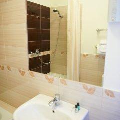 Гостиница Парадная 3* Улучшенный номер с различными типами кроватей фото 3