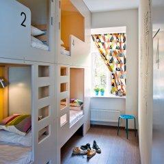 Хостел Graffiti L Кровать в общем номере с двухъярусной кроватью фото 21