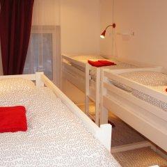 Гостевой Дом Полянка Кровать в женском общем номере с двухъярусными кроватями