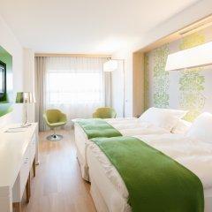 Отель Occidental Praha Five 4* Улучшенный номер с различными типами кроватей фото 7
