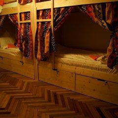 Suricata Hostel Кровать в общем номере с двухъярусной кроватью