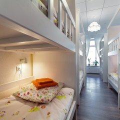 Хостел Друзья на Литейном Кровать в женском общем номере с двухъярусной кроватью