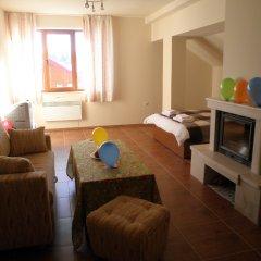 Апартаменты Cozy Studio Lucky in Ski Resort Pamporovo комната для гостей фото 2