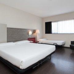 Отель ILUNION Barcelona 4* Стандартный номер с различными типами кроватей