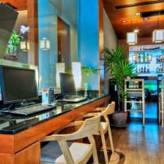The ASHLEE Heights Patong Hotel & Suites гостиничный бар
