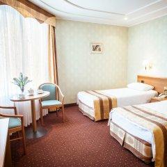 Гостиница Березка в Челябинске 8 отзывов об отеле, цены и фото номеров - забронировать гостиницу Березка онлайн Челябинск комната для гостей фото 2
