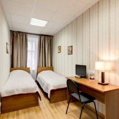 Гостиница Три мушкетёра Номер с общей ванной комнатой с различными типами кроватей (общая ванная комната) фото 3