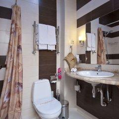 Гостиница Amici Grand 4* Стандартный номер с разными типами кроватей фото 7