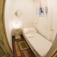 Хостел GOROD Патриаршие Номер с различными типами кроватей (общая ванная комната)