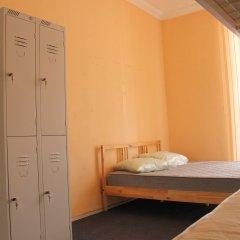 Хостел Достоевский Кровать в женском общем номере с двухъярусной кроватью фото 8