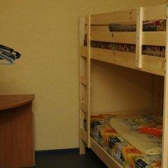 Хостел Как Дома Кровати в общем номере с двухъярусными кроватями фото 2
