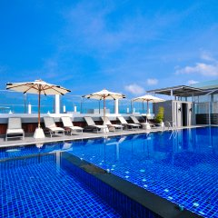 The ASHLEE Heights Patong Hotel & Suites бассейн