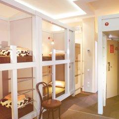 Хостел Привет Кровать в общем номере двухъярусные кровати