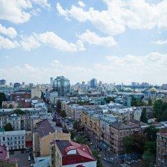 Гостиница Дизайн-отель 11 Mirrors Украина, Киев - 11 отзывов об отеле, цены и фото номеров - забронировать гостиницу Дизайн-отель 11 Mirrors онлайн балкон
