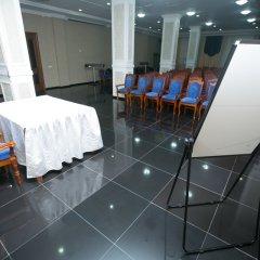 Гостиница Гостиничный комплекс King Hotel Astana Казахстан, Нур-Султан - 12 отзывов об отеле, цены и фото номеров - забронировать гостиницу Гостиничный комплекс King Hotel Astana онлайн балкон