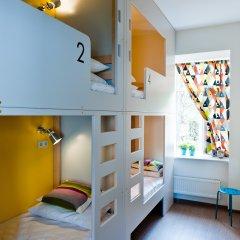 Хостел Graffiti L Кровать в женском общем номере с двухъярусной кроватью