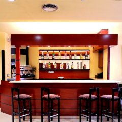 Hotel Glories гостиничный бар фото 3