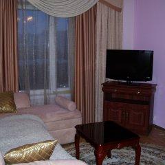 Гостиница Шахтер 3* Люкс с двуспальной кроватью фото 3