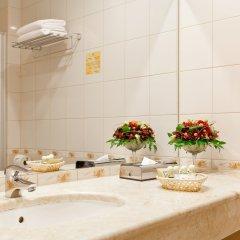 Гостиница Петро Палас 5* Улучшенный номер с двуспальной кроватью фото 6