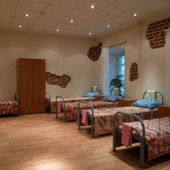Хостел Гостиный Двор на Полянке Кровать в общем номере с двухъярусной кроватью
