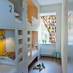 Хостел Graffiti L Кровать в мужском общем номере с двухъярусной кроватью фото 7