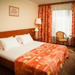 Гостиница Космос 3* Стандартный номер с двуспальной кроватью