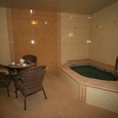 Гостиница Гала Плаза бассейн