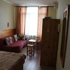 Гостиница Гостевой Дом TWIX в Сочи 2 отзыва об отеле, цены и фото номеров - забронировать гостиницу Гостевой Дом TWIX онлайн комната для гостей