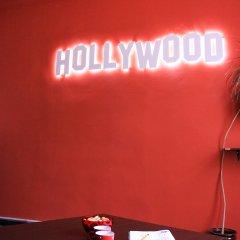 Hollywood Home Hostel удобства в номере фото 2